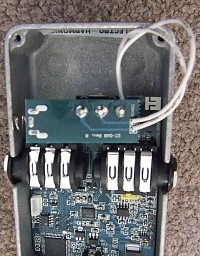 Inside of the Electro-Harmonix Freeze